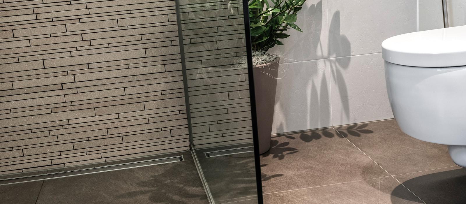 domus bauexpert pflegeprodukte fliesen piastrelle b den pavimenti. Black Bedroom Furniture Sets. Home Design Ideas